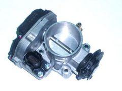 Škrtící klapka 1.8T, 06A133063G pro vozidla bez tempomatu